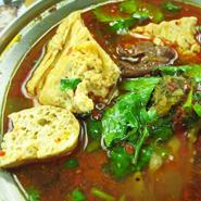 「麻辣臭豆腐」 辛スープの臭豆腐鍋