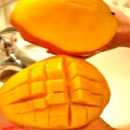 「芒果」 マンゴー【旬:5月〜8月】